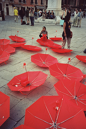 RED UMBRELLA STRUGGLES